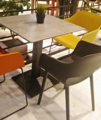 ton namestaj za ugostitelje stolice stolovi kafic sajam dizajn